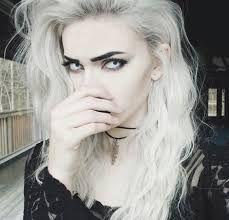 Resultado de imagen de white vampire