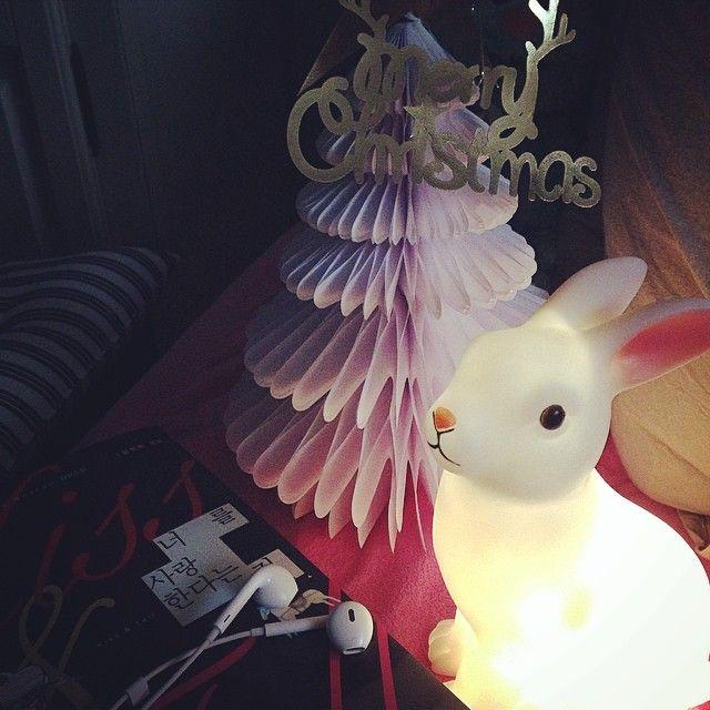 트리 #토끼 인테리어 램프 크리스마스 미리크리스마스 . . .