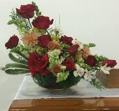Resultado de imagem para arranjo de flores igreja maranata