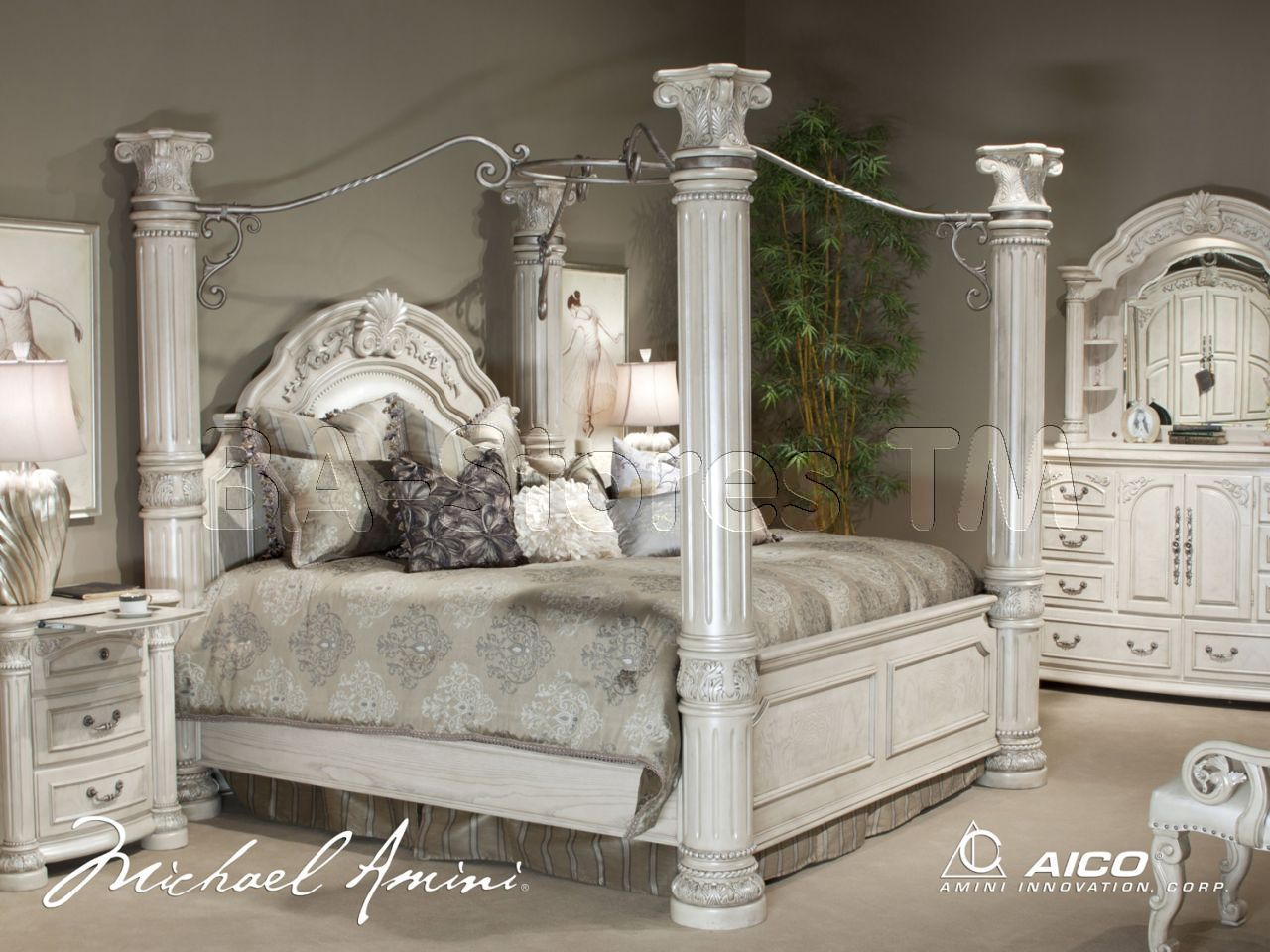 Monte Carlo Ii Silver Pearl 5 Pc Bedroom Set By Michael Amini In 2020 Canopy Bedroom Sets Aico Furniture King Bedroom Sets