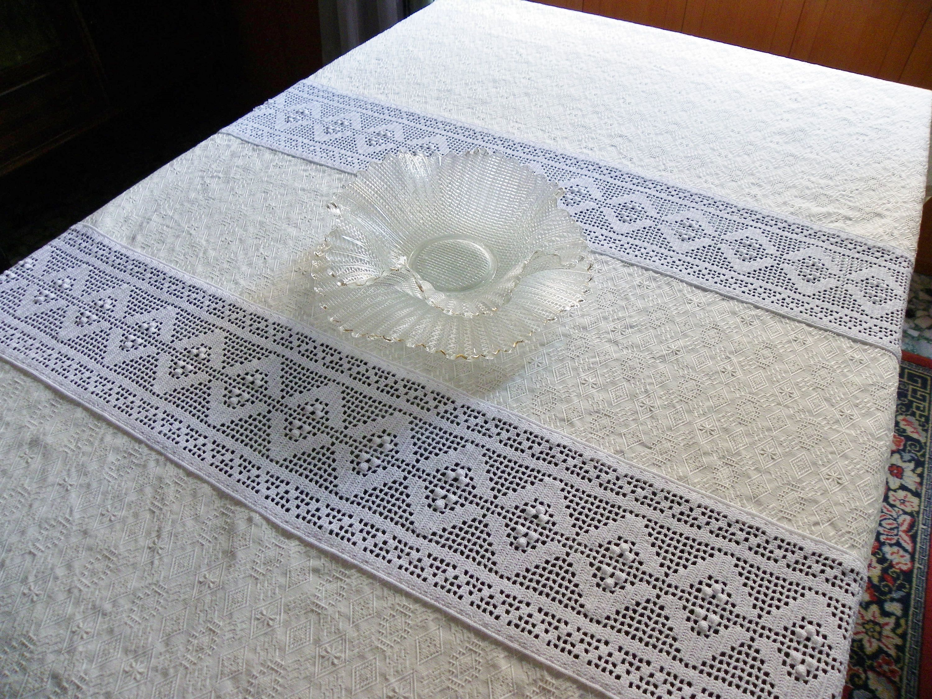 Rectangular Tablecloth Table Cover With Crochet Partitions And