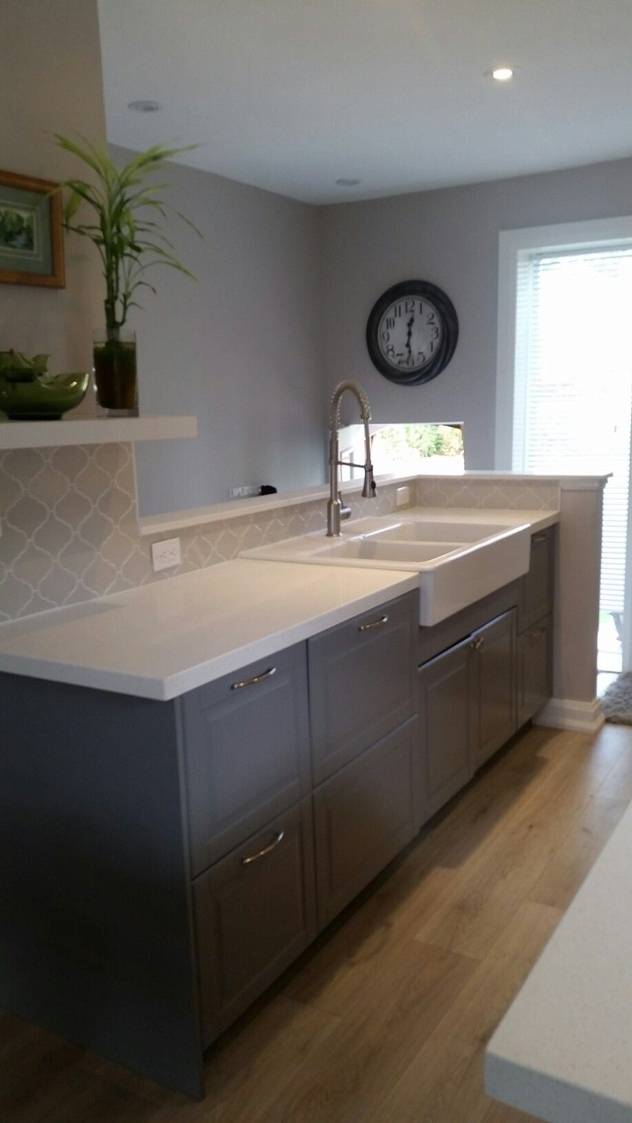 Best Grey Arabesque Tile Backspash With White Grout New 400 x 300