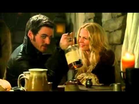 Emma and past Hook bond over drinks and kiss 3x21/22  Once Upon a Time