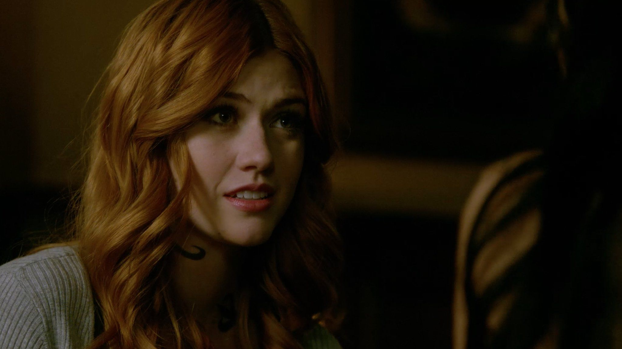 """S2 Ep6 """"Iron Sisters"""" - I've never stabbed a friend before so I thought I would at least owe you an apology…  #Shadowhunters"""