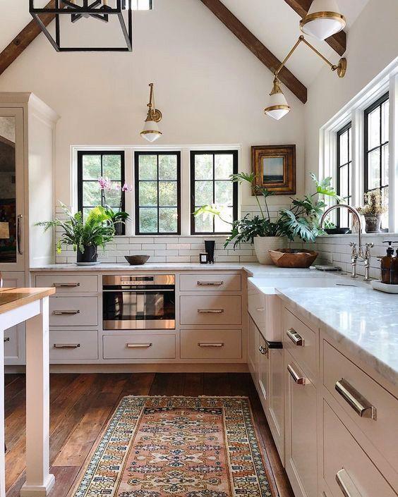 3 Best Slim Kitchen Trash Can Reviews In 2020 In 2020 Kitchen Inspiration Design White Wood Kitchens Kitchen Interior