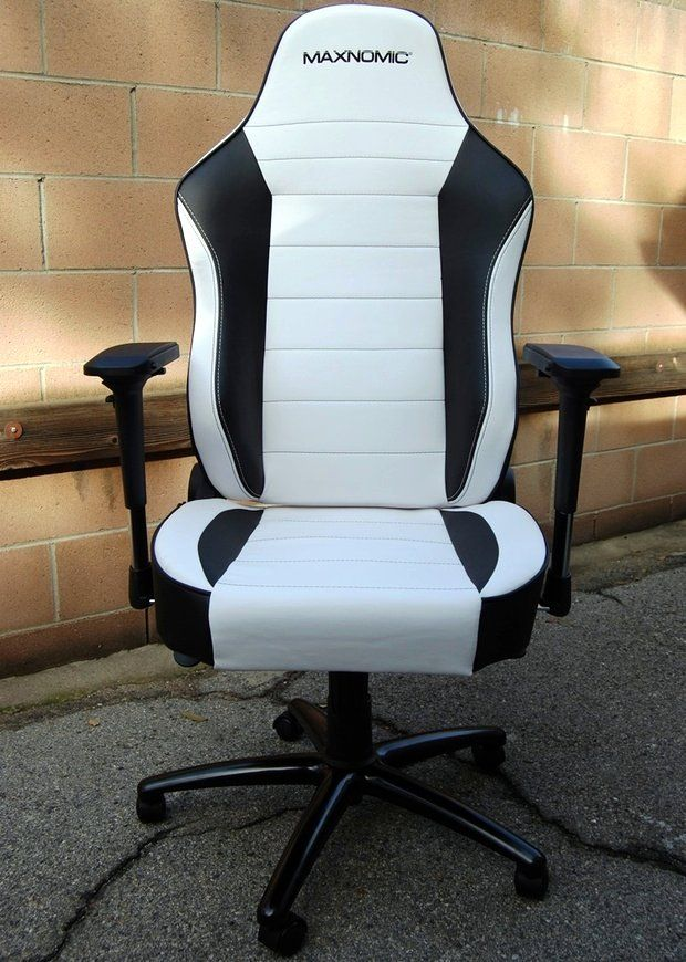 maxnomic commander s bwe pc gaming chair review in the hot seat