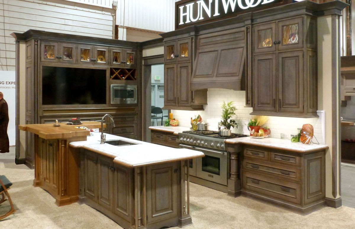 Bon Huntwood Kitchen 2 Bellevue Showroom