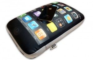 iPhone 4 pillow for Apple fanboys.  God I hate them, where's one for Android?