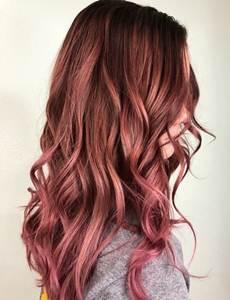 اجمل صور بني غزالي مع اشقر رمادي طريقة الصبغ منزليا Red Highlights In Brown Hair Brown Hair With Pink Highlights Red Brown Hair