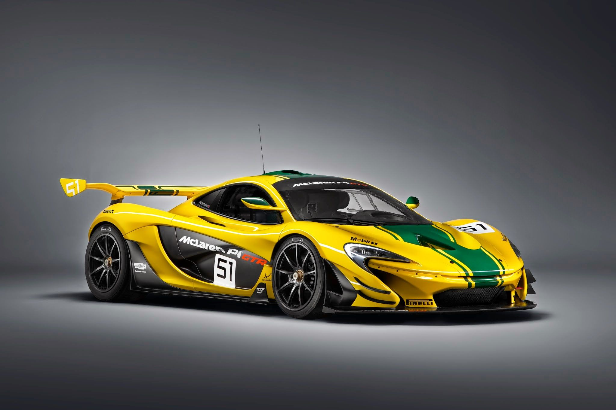 Mclaren P1 Gtr Production Version Wearing Yellow And Green Livery