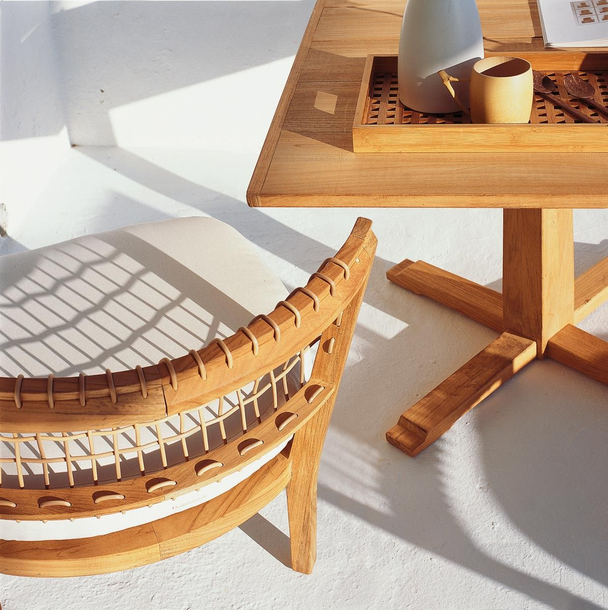 petit fauteuil bas synthesis unopi carrega pinterest. Black Bedroom Furniture Sets. Home Design Ideas