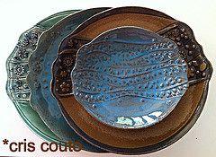 Pratos e....mais pratos.... (cris couto 73) Tags: ceramica ceramic handmade plate clay prato detalhe turquesa relevo criscouto vision:text=0548 vision:car=0579 vision:outdoor=065