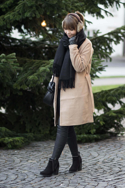 Outfit für einen Besuch auf dem Weihnachtsmarkt #outfitweihnachtsmarkt Outfit für einen Besuch auf dem Weihnachtsmarkt - Shoelove by Deichmann #outfitweihnachtsmarkt