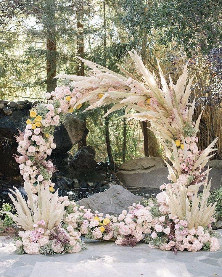 Altarpiece Wedding: Round Altar Piece