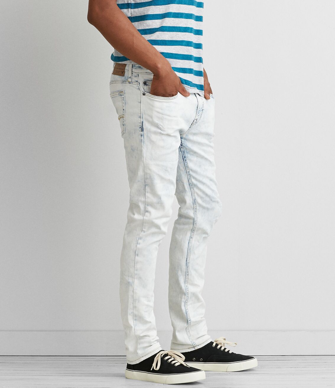 I'm sharing the love with you! Check out the cool stuff I just found at AEO: https://www.ae.com/web/browse/product.jsp?productId=0119_3980_915