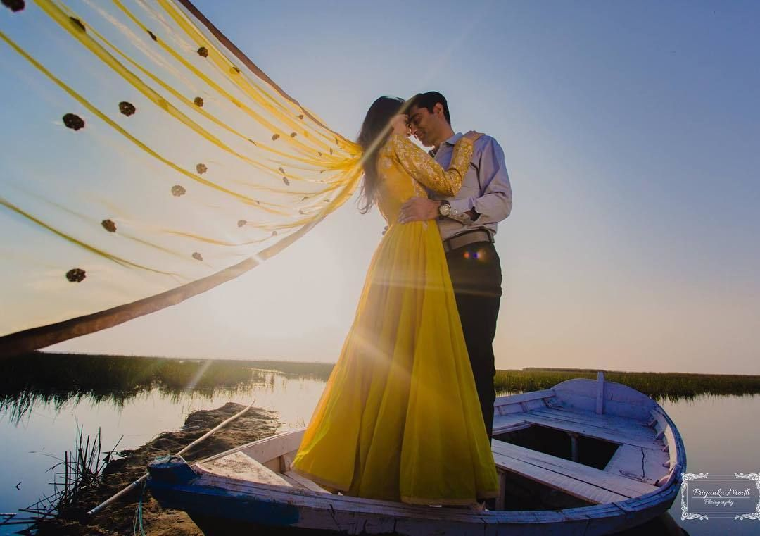 Pre Wedding Shoot In A Backwater Boat Prewedding Preweddingshoot Indiancoup Pre Wedding Photoshoot Beach Wedding Photoshoot Props Wedding Photoshoot Poses