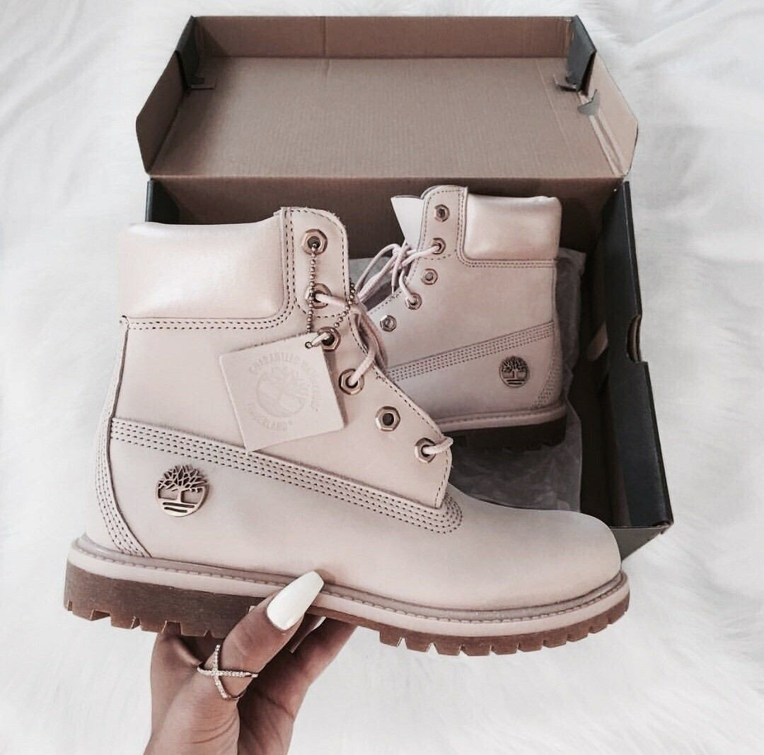 Concesión conveniencia Debe  Pin by Fluffy Peach🍑 on Cute Clothes | Boots, Timberland boots, Fashion  boots