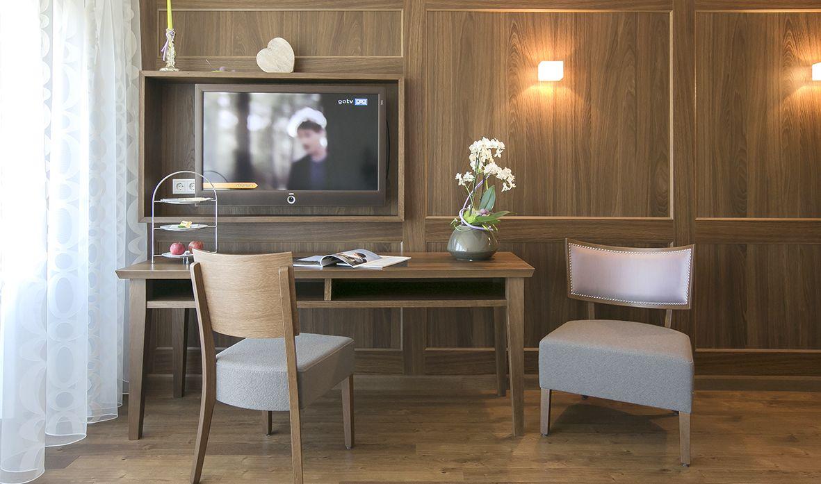 Moblierung Hotelzimmer Stuhlfabrik Schnieder Gmbh Entwurf Planung Und Umsetzung Firma Robert Dauwalter Immens Haus Deko Gastronomie Mobel Ladeneinrichtung