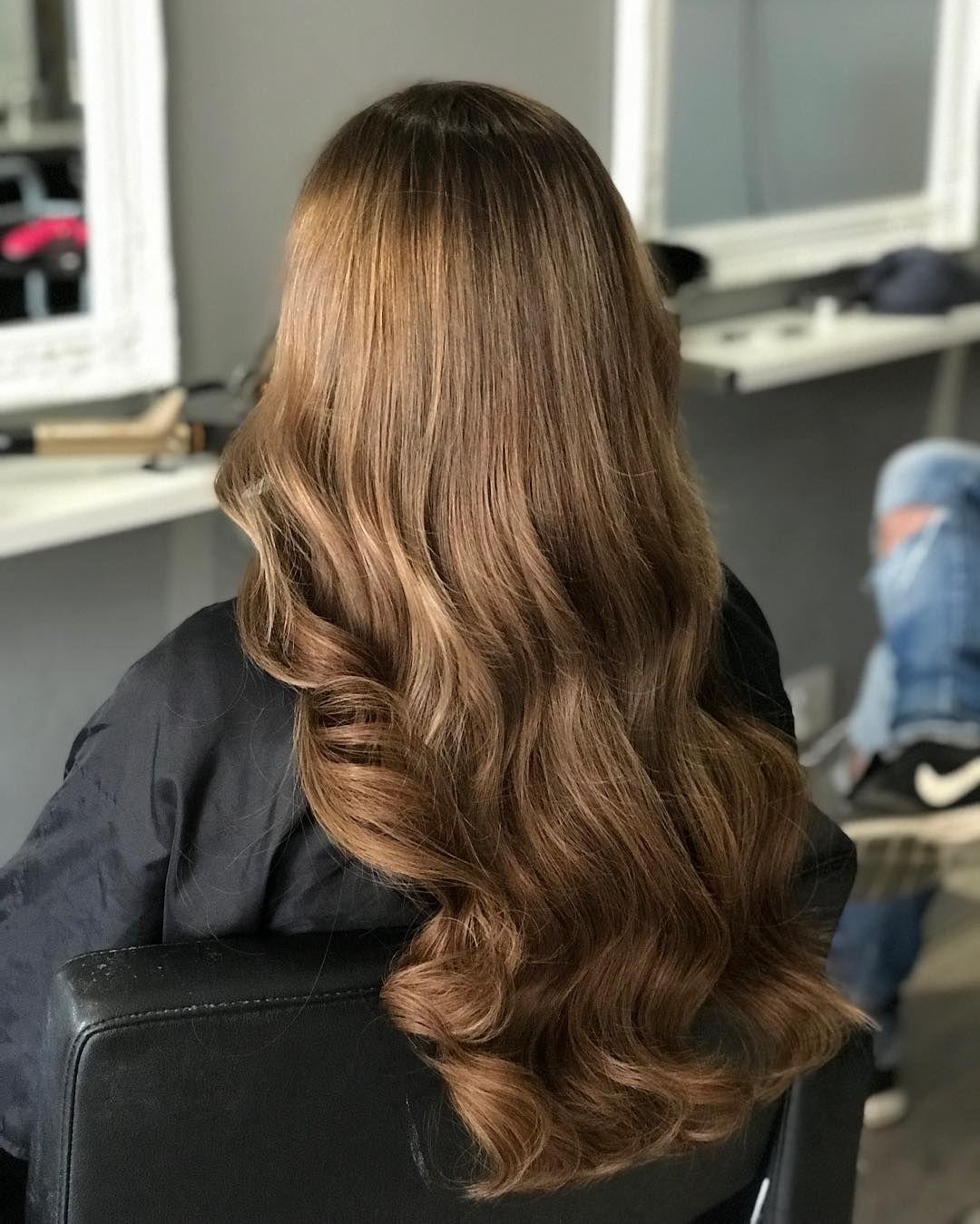 Braune haare mit hellbraune strahnen