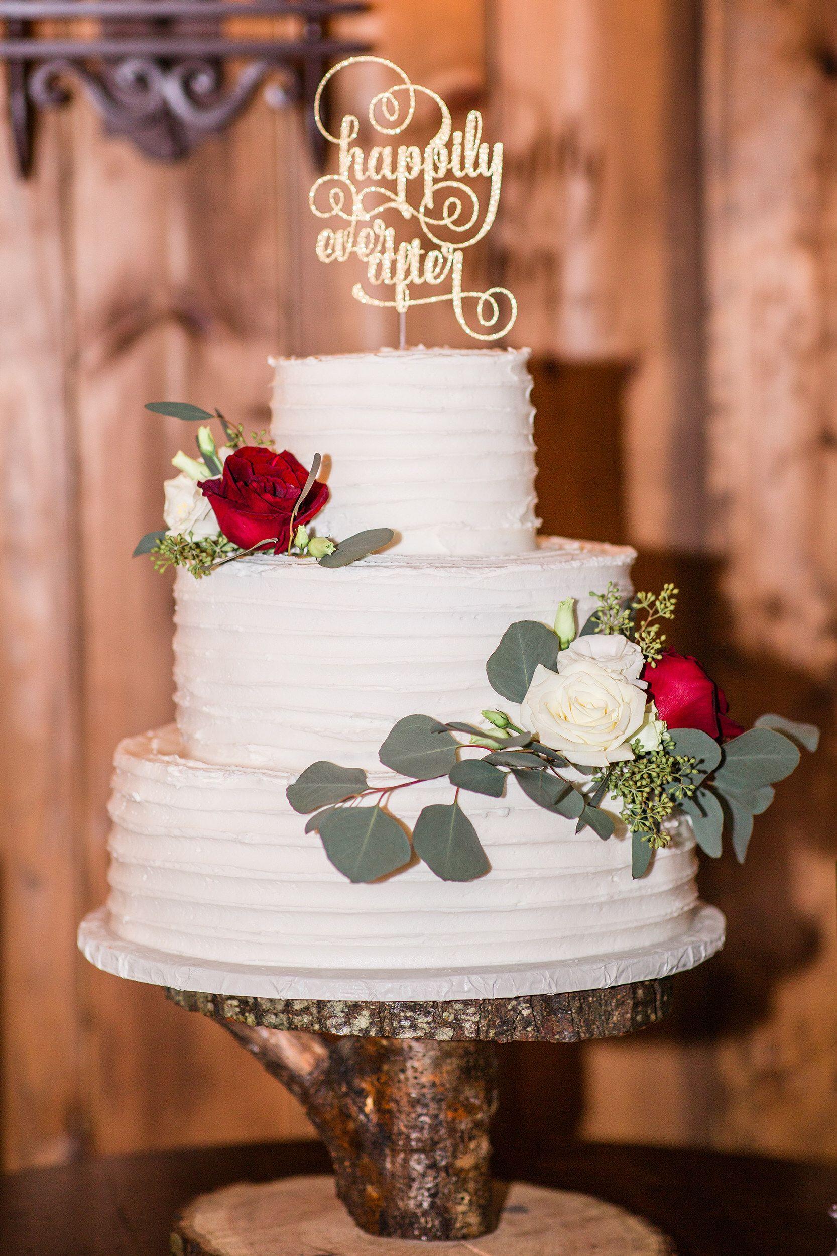 Maroon details wedding cake ideas Wedding cakes, Winter