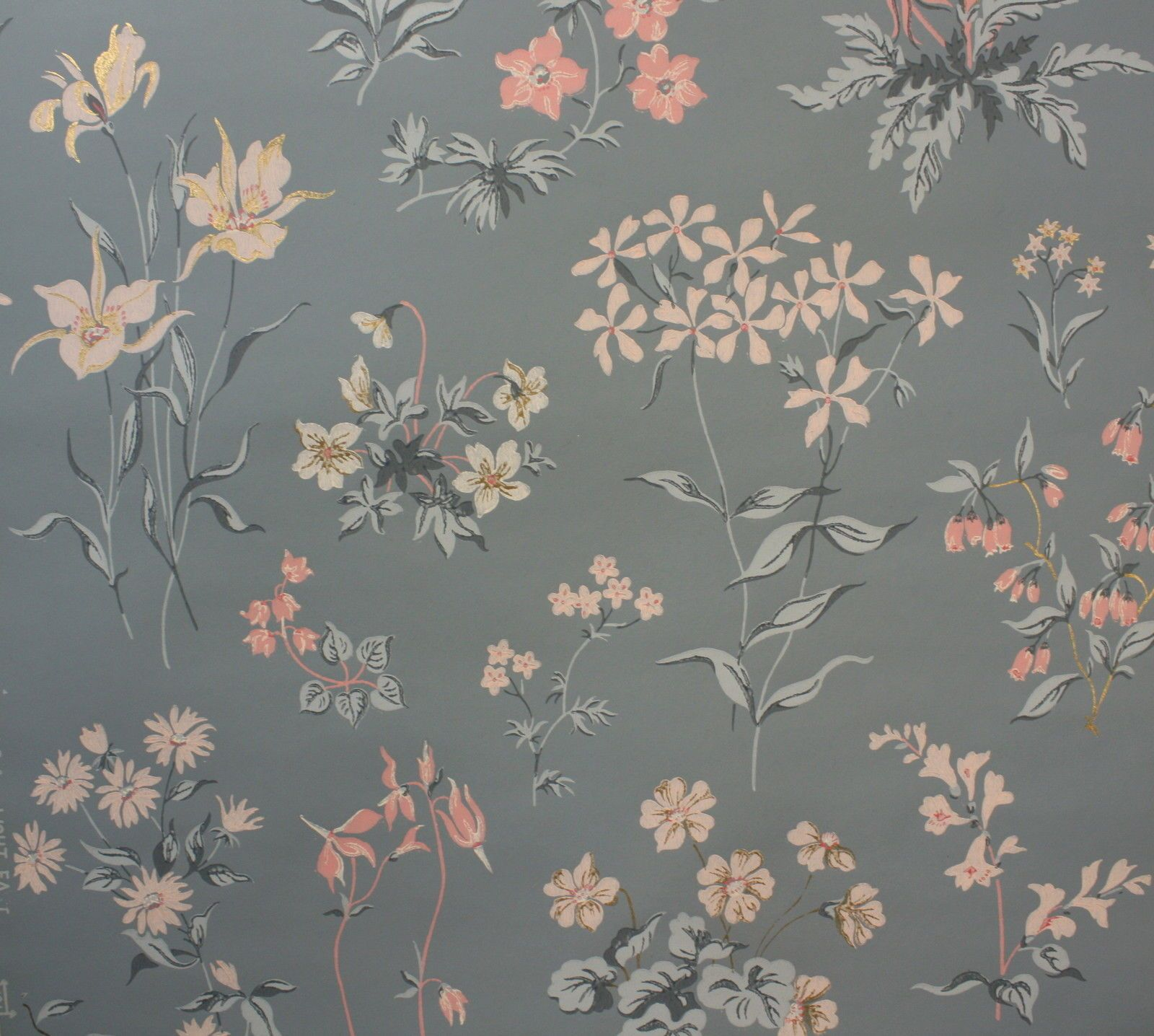 1940's Vintage Wallpaper Blue Background Pink And White