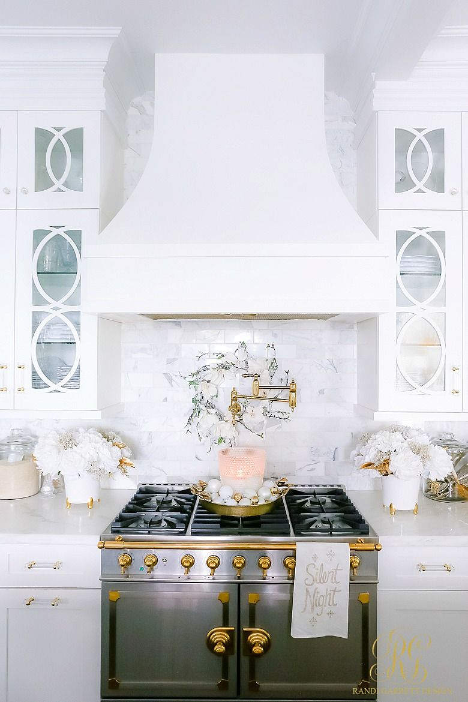 White And Gold Christmas Kitchen Christmas Kitchen White Christmas Decor Kitchen Design