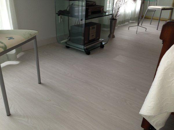 Een witte pvc vloer referenties van natuurlijk hout