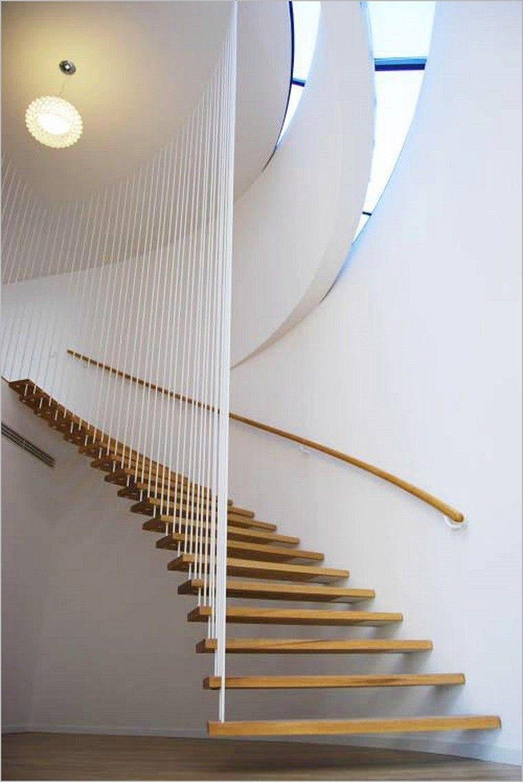 escaleras colgantes de espiral