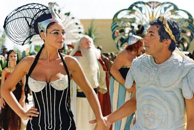 Asterix And Obelix Meet Cleopatra 2002 Monica Bellucci Photo Monica Bellucci Celebrities Female