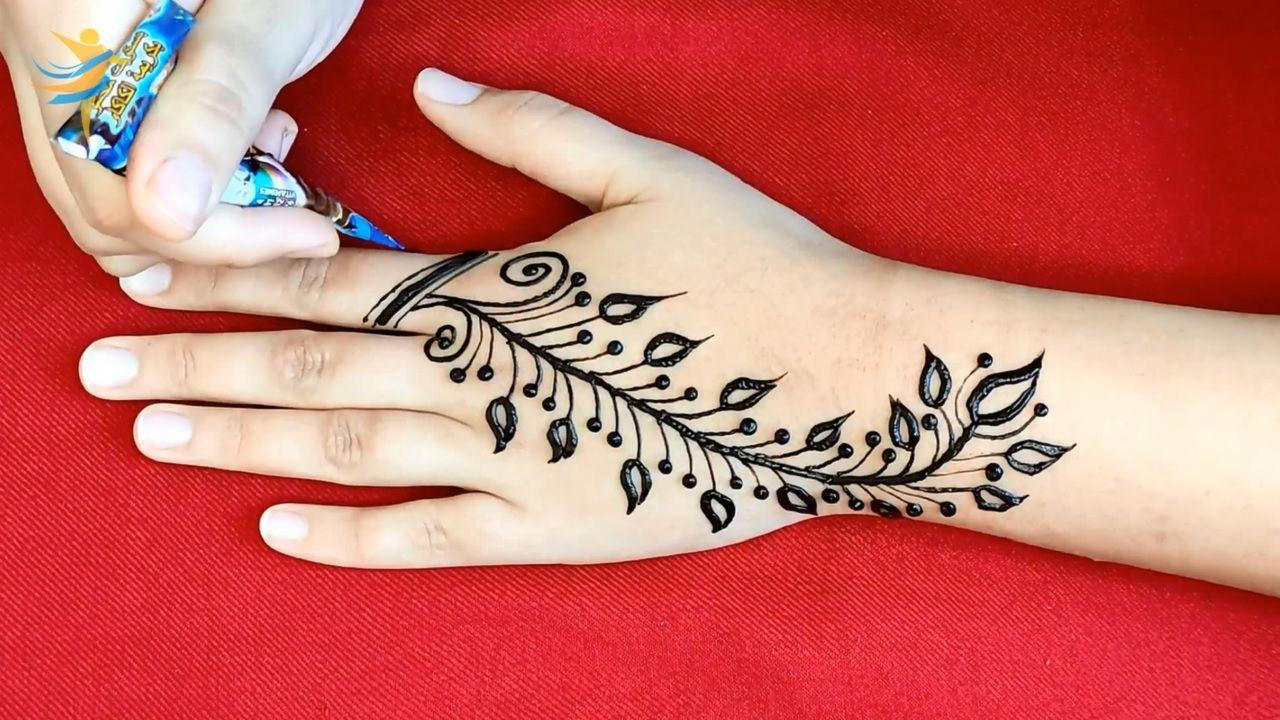 Easy Henna Mehndi Design For Back Hand Latest Arabic Mehndi Design Arabic Henna Design In 2021 Simple Mehndi Designs Arabic Henna Designs Henna Designs