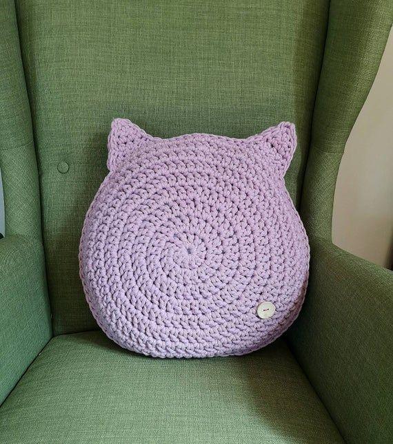 Bear pillow Crochet cat pillow Round pillow pillow Chunky knit cushion Knit pillow Chunky yarn pillo