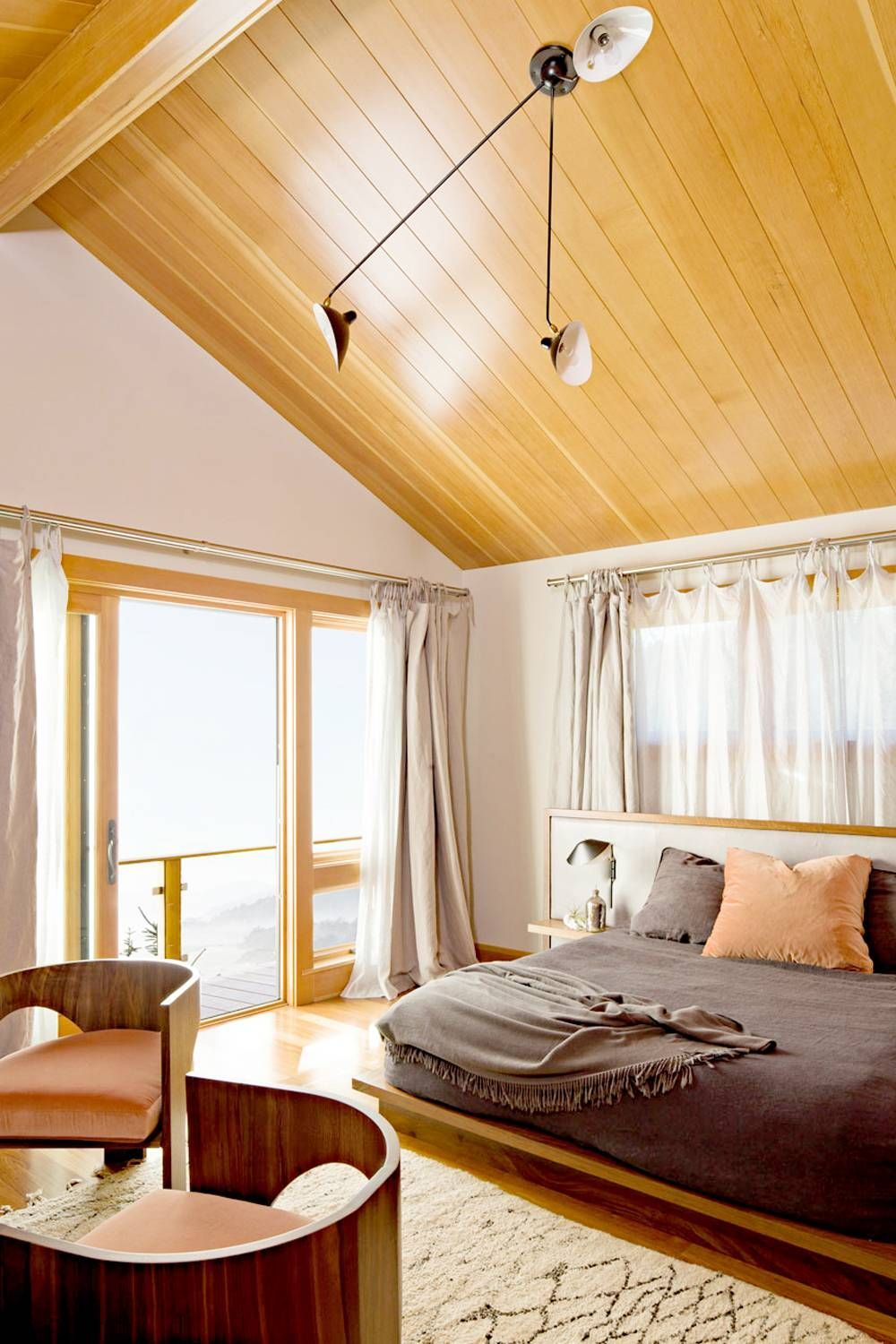 The Feng Shui Bedroom Colors That Will Bring the Best ...