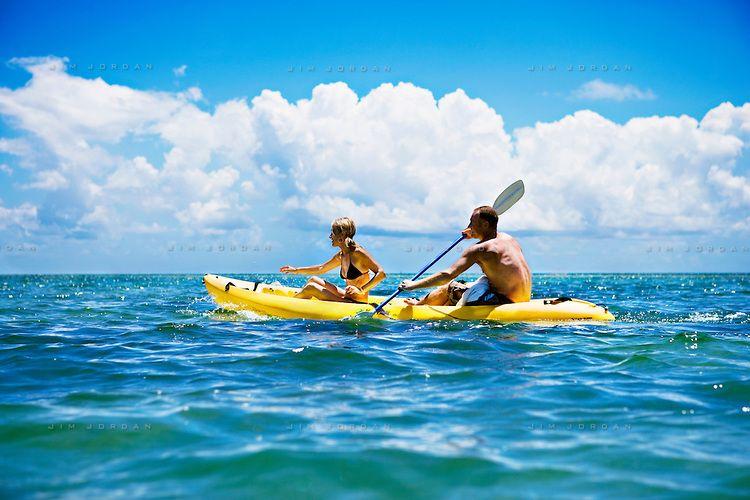 couple-kayaking-001.jpg (750×500)