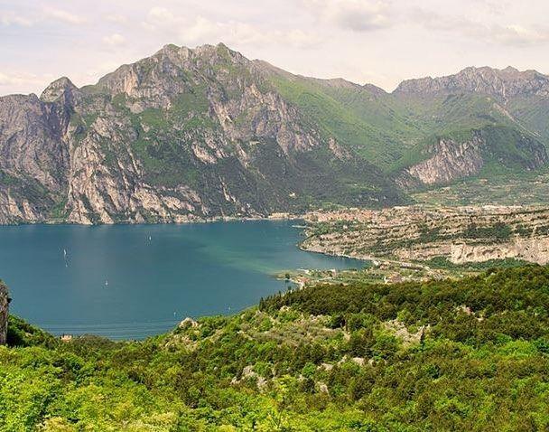 Affronta l'#escursione sul #montebrione per goderti stipendi #panorami e partecipare alla riapertura dei #forti