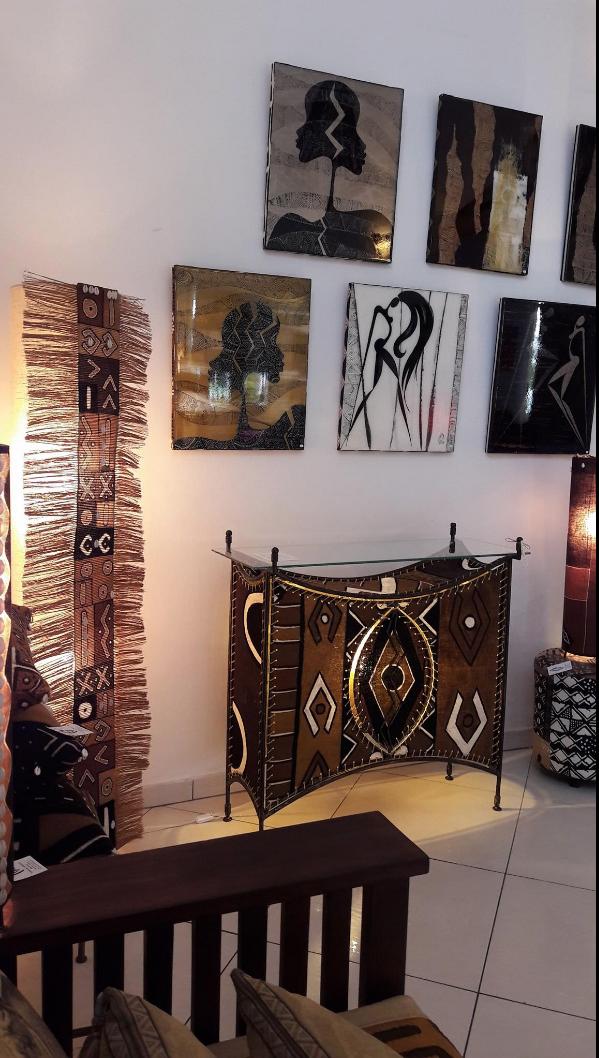 Designed By Fabienne Greco Peintre Based In Gabon African Interior Design Interior