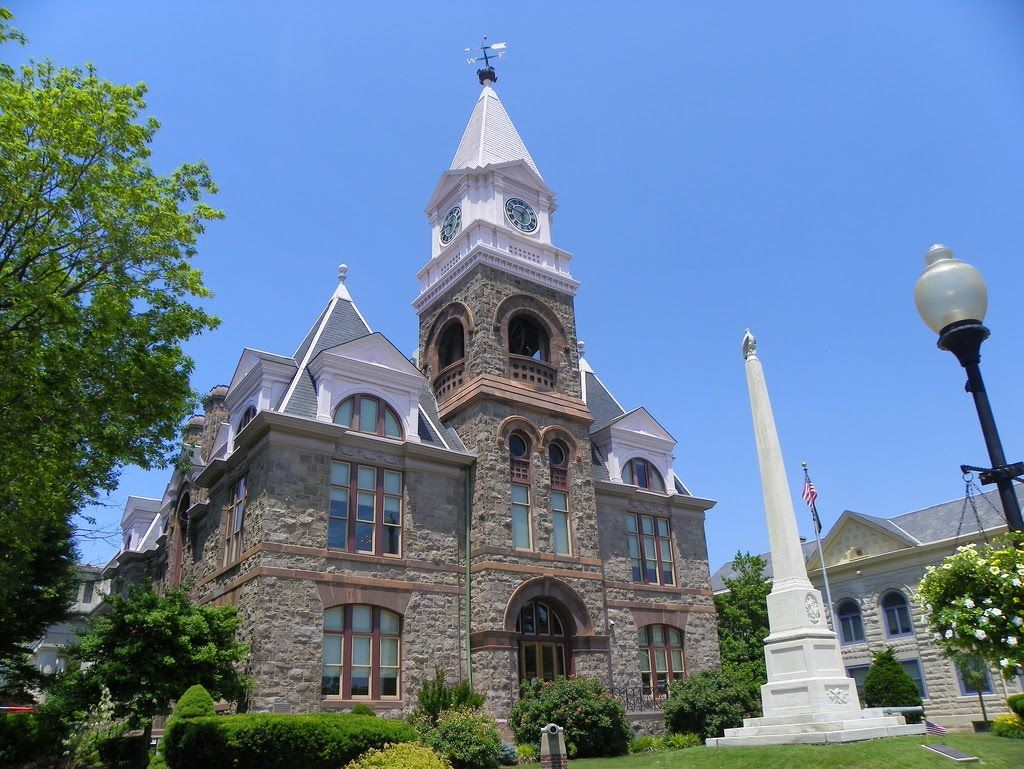 Gloucester County Courthouse Woodbury Nj We Supplied 58 Squares Of Our North Country Unfading Black Roofing Slate In Roof Architecture Roofing Roof Design