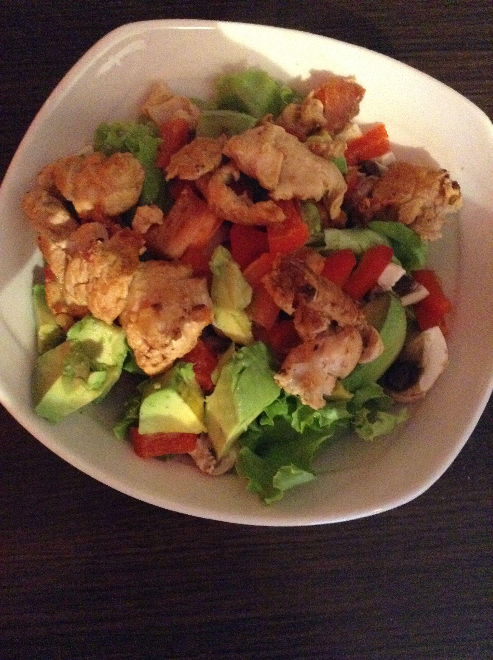 cena saludable pechuga de pollo