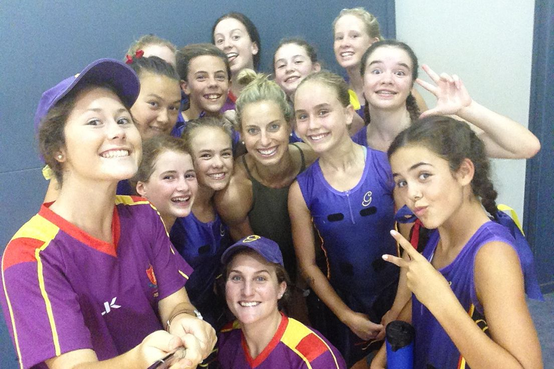 The Glennie 13a Netball Team Were Delighted To See Laura Geitz Posted Their Picture On Instagram After Meeting Her At The Laura Geitz Ne Pictures Event Netball