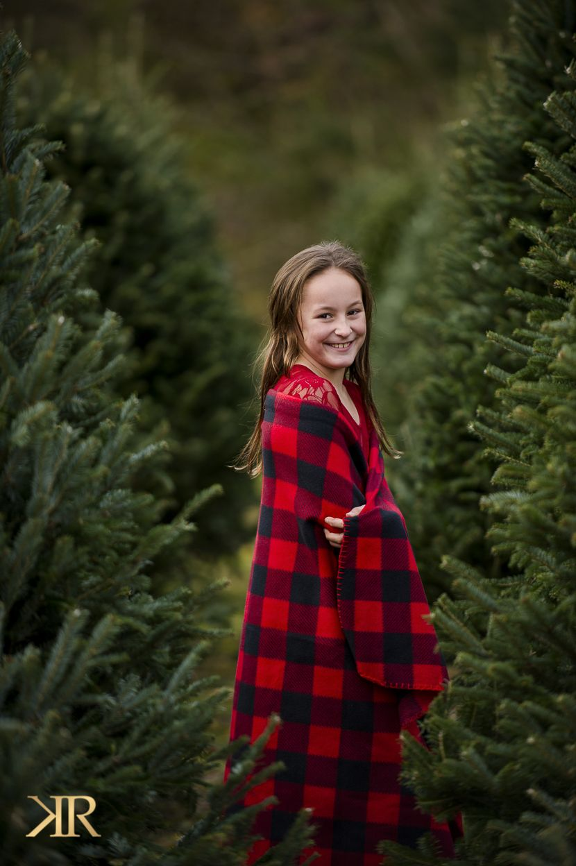 Christmas Holiday Mini Session Photo Shoot Ideas Buffalo Plaid Wv Photographer Tr Christmas Tree Farm Photos Christmas Tree Farm Christmas Tree Farm Pictures