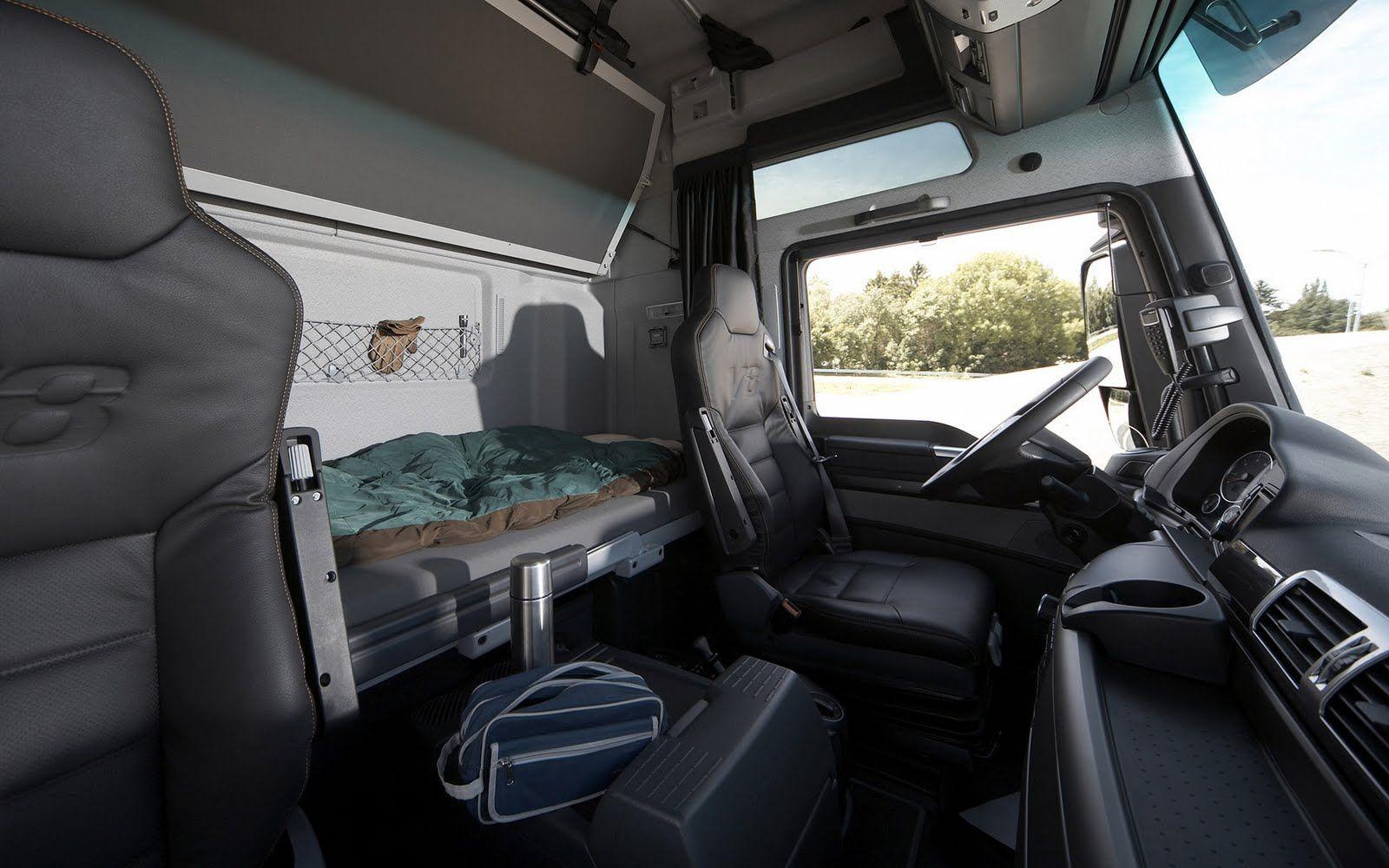 Man Tgx 4 2 Xxl Cab Interior Vehicke Design Comofrt Kabina Fura Interer Doroga Truck Interior Trucks Car Seats