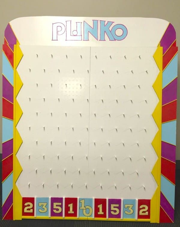 This woman built her very own plinko board from the price is she builds this weird board in her dark garage the reason this is so cool solutioingenieria Choice Image