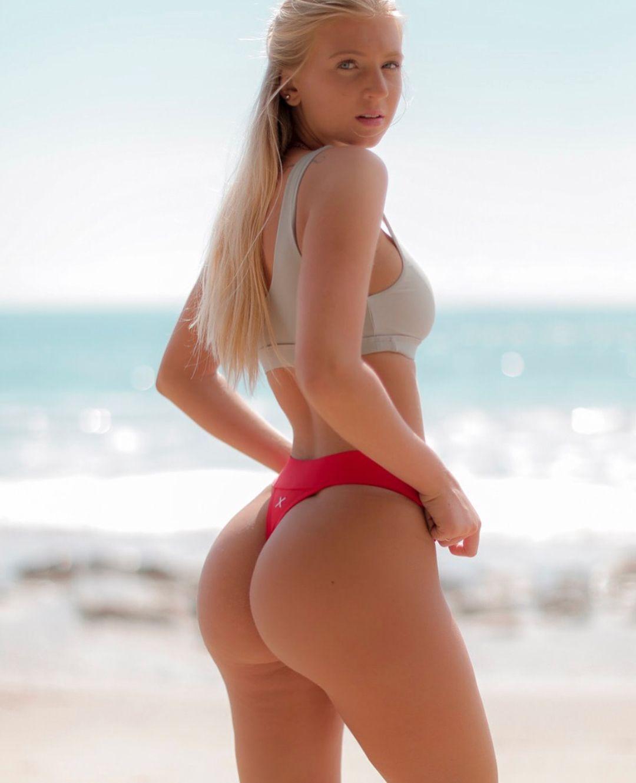 2e9a011e4c5f3 Sexy Blonde In Thong Bikini
