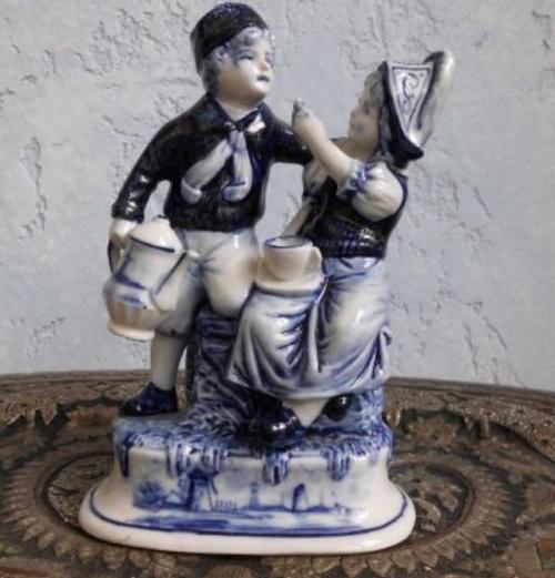Delft Brunnen Figuren