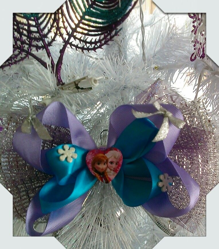 Frozen theme bow made by Norma's Unique Gift Baskets.$6.99
