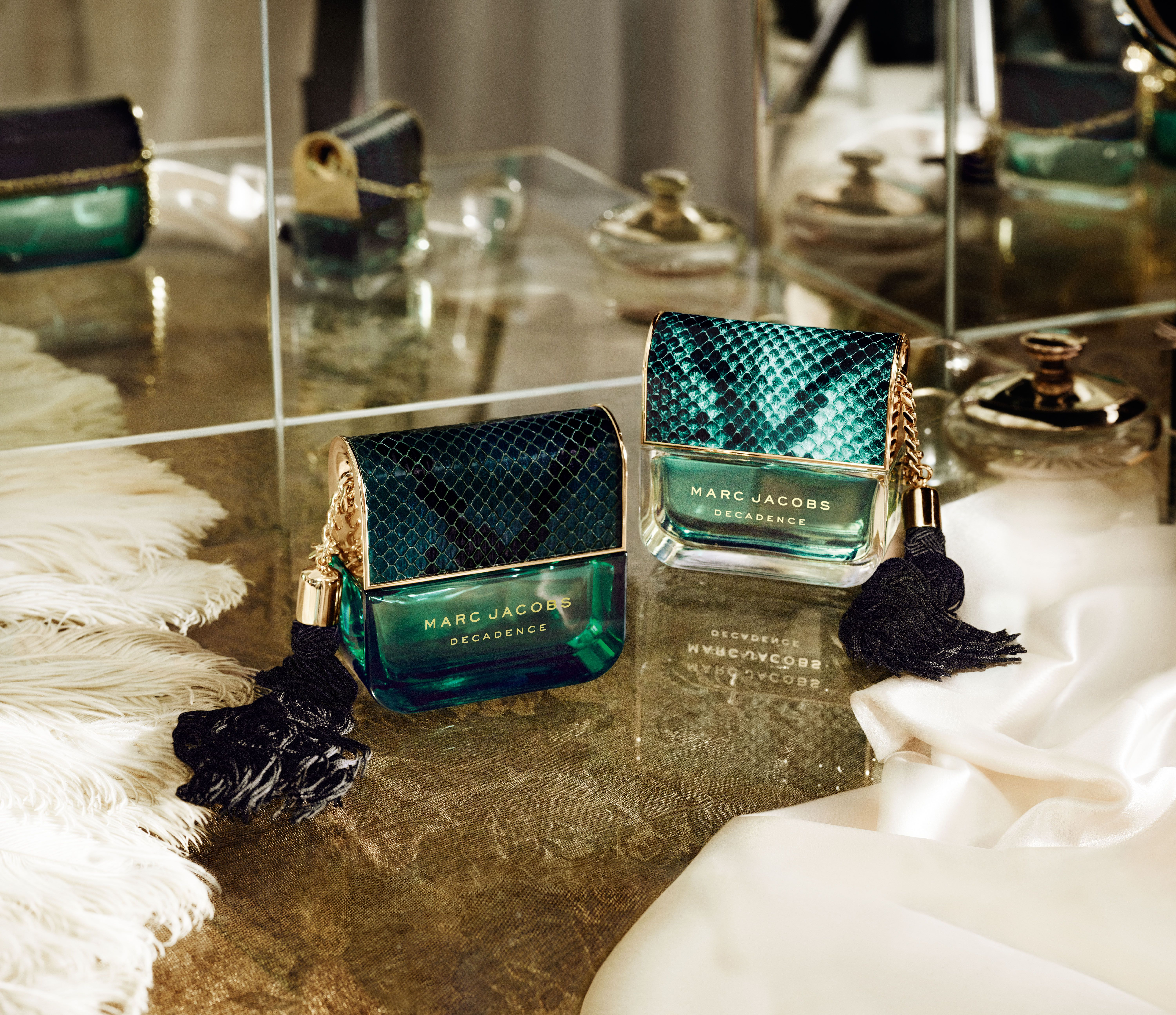 8cc51426ccf551 Introducing Marc Jacobs Divine Decadence