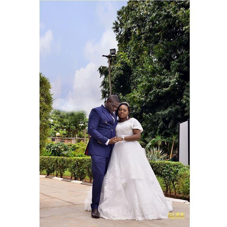 Photos from Adetokunbo (@olori_adetokunbo_id) and Olumide (@mideh00) gorgeous wedding.  Event Planner: @soireesandsocials Photography: @gaze_production Hair: @ramatbeautysalon Makeup: @makeupbychinny Host: @balmoralevents Cocktail: @mandiescocktails  #weddings#engagement#naijawedding#makeup#gele#photography#weddingday#weddingdress#weddinggown#groom#wedding#weddinghair#nigeriawedding#gidiwedding#bride #nigeriaweddings #saturday #camera #photoinspiration #love #weddingsinnigeria #weddingdress