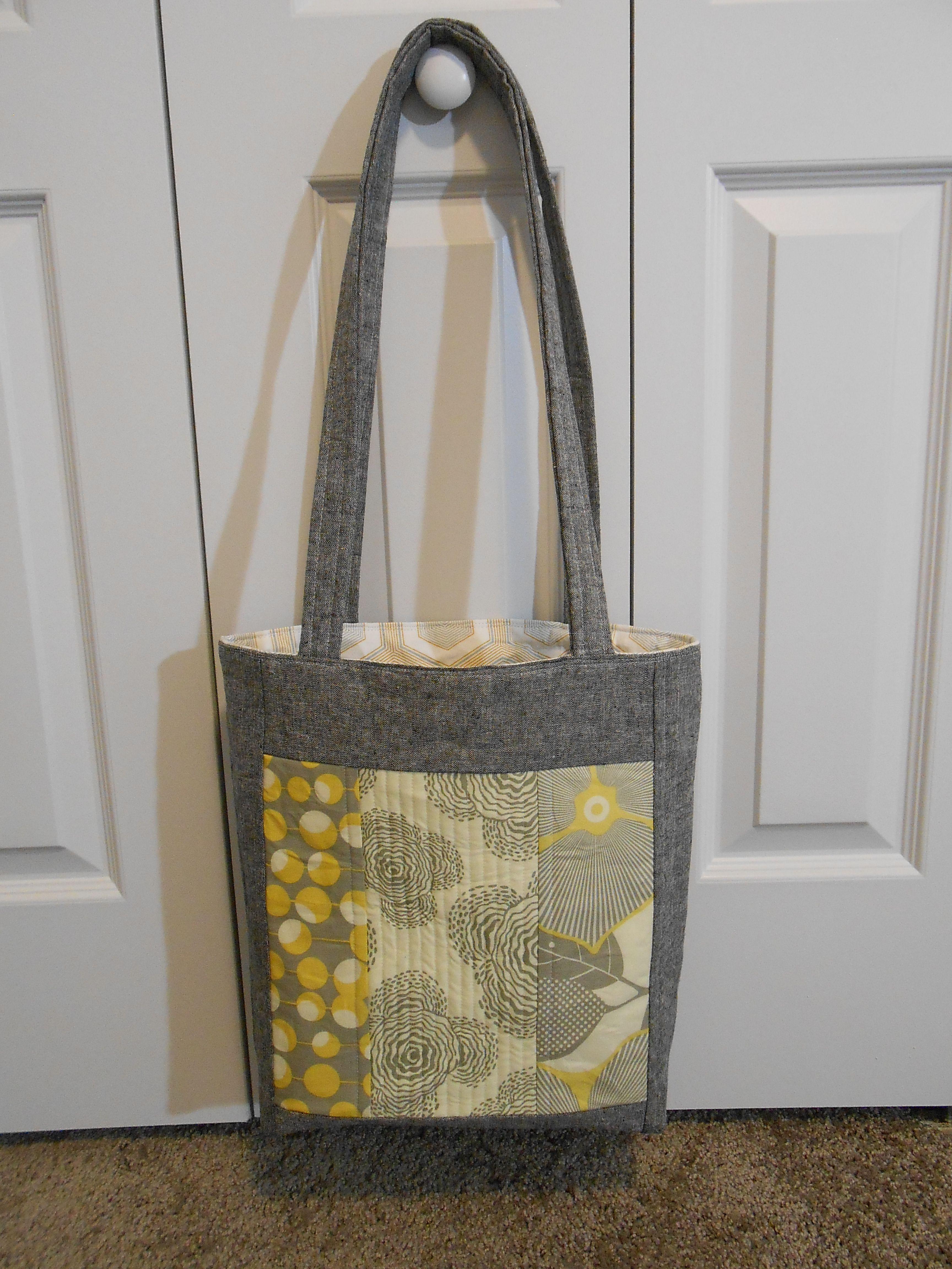 Tutorial: Make a Quilt-As-You-Go Tote Bag | Sewing Projects ... : quilt as you go tote - Adamdwight.com