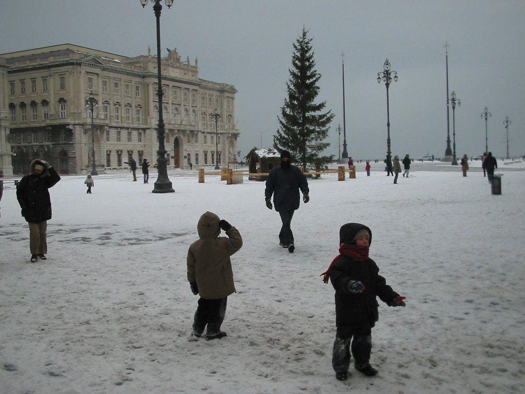Snowfall  Piazza Unità d'Italia  Trieste - Italia  06.01.2003