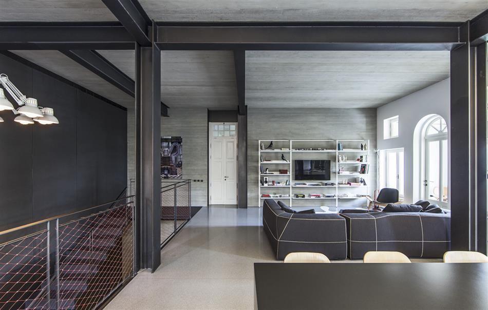 offenes wohnzimmer mit stahlträgern und betondecke | betondecke, Wohnzimmer