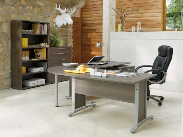 Bureau en bois prêt pour travailler photo stock image du moderne